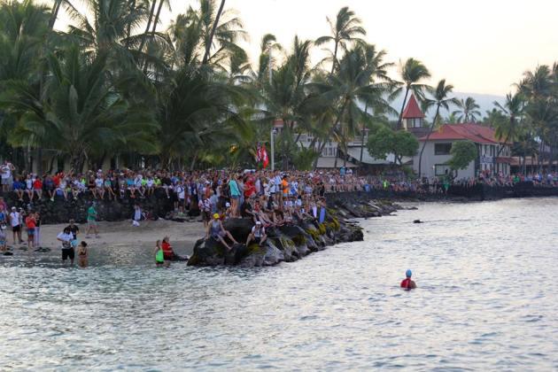 Kona crowd